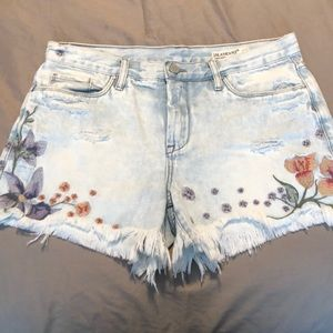 BLANKYNYC size 29 Brand New Embroidered Shorts